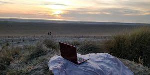 pink samsung laptop beach sunset dusk seaside pretty