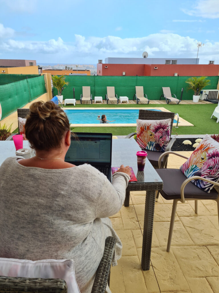 Dawn-Baxter-working-remotely-from-Fuetereventura