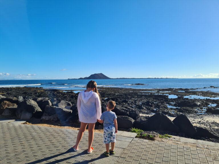 Dawns-children-at-beachfront
