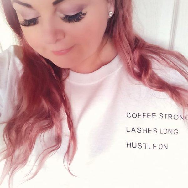 slogan tshirt woman model eyelashes pink hair